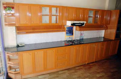Royal aluminum kitchen cabinets in vinayaka nagar for Kitchen set aluminium royal