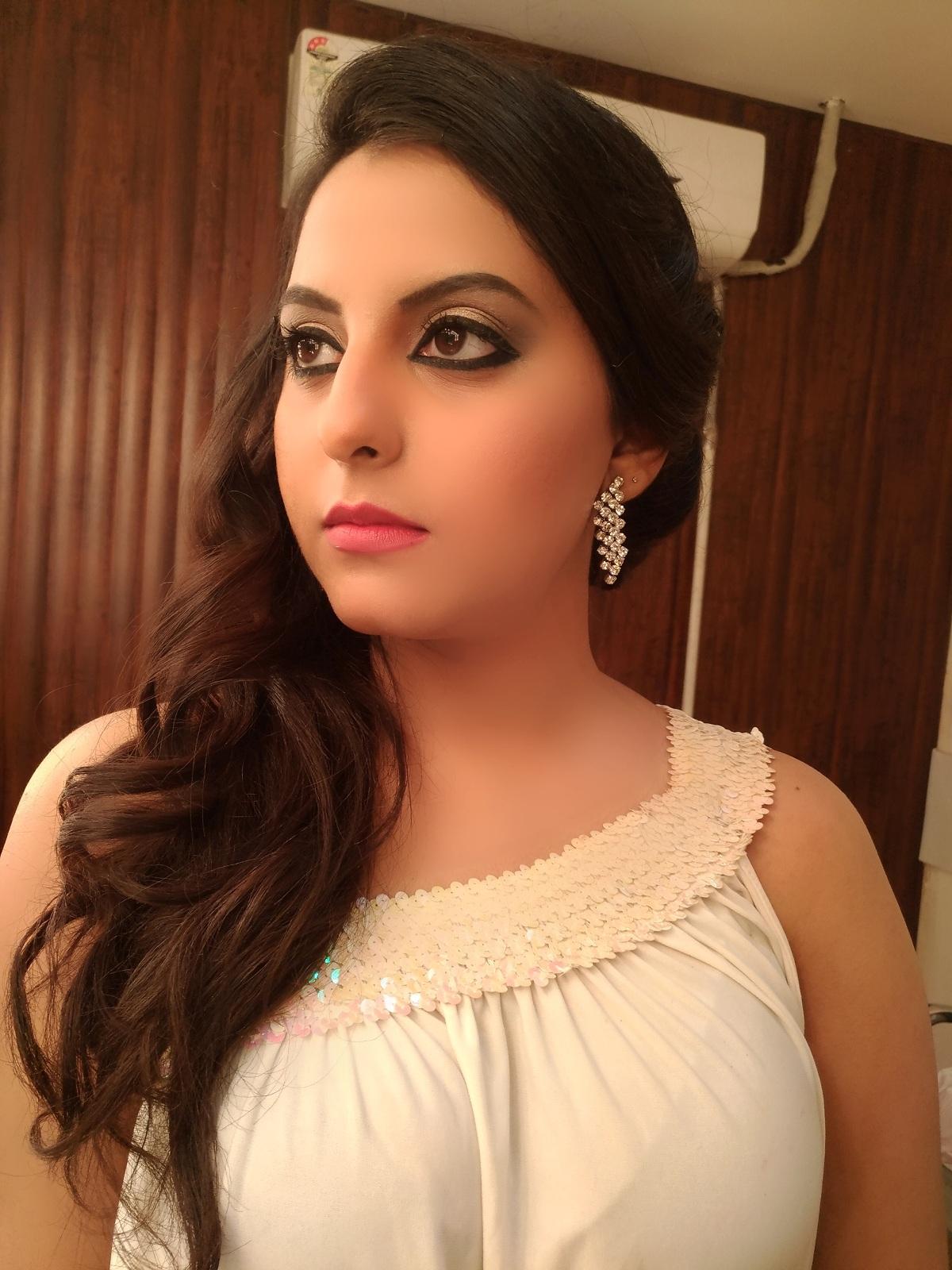 Makeup Life Makeup Studio & Academy Laxmi Nagar, Delhi
